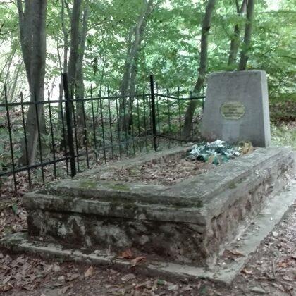 4. Ismeretlen katona sírja a Bánya-bükkben, dózerút mellett