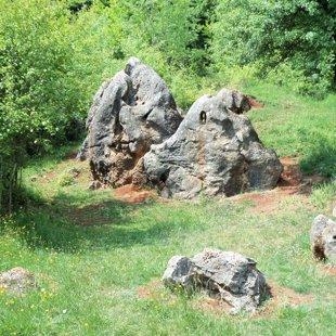10. Medve-sziklák